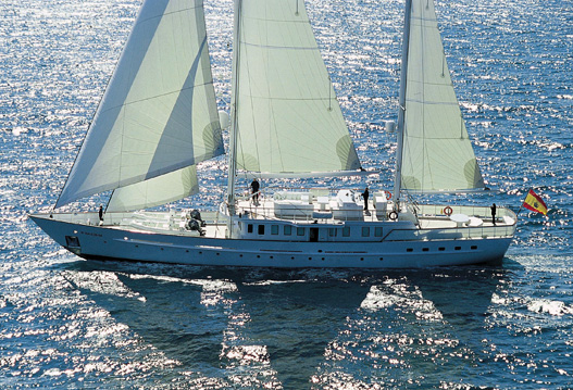David Mas velas para SuperYates y Megayates. David Mas Sails for Superyachts and Megayachts